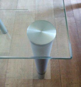 Столик стеклянный