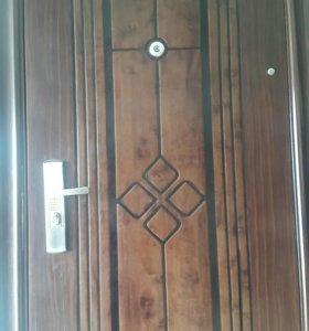 Дверь медведь в б/у в хорошем состояние на дачу