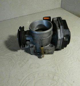 Заслонка дроссельная электрическая 06A133063G