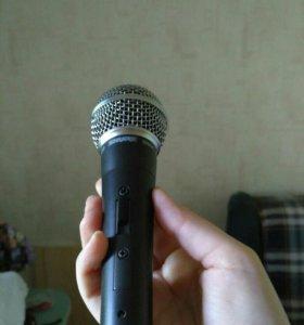 Микрофон и стойка
