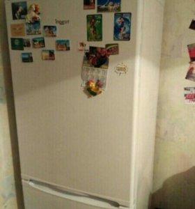 Холодильник - морозильник indesit sb1670
