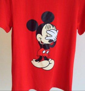 Красная женская футболка с микки Максом