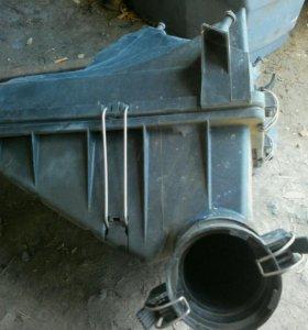 Корпус воздушного фильтра Mercedes w202