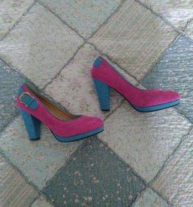 Новые туфли 39-40 р
