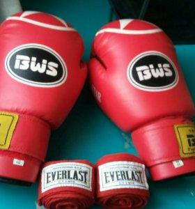 Бинты , боксерские перчатки