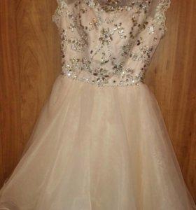 Платье на выпускной р.42-44