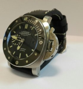 Часы Panerai Luminor Submersible