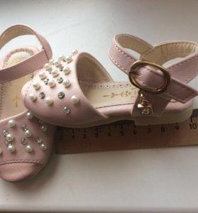 Туфли детские рр 14