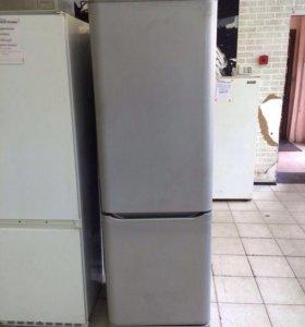 Холодильник двухкамерный HP Ariston