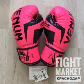 Боксёрские перчатки Venum