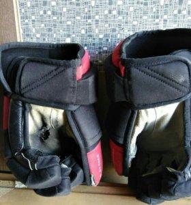 Перчатки хоккейные ( краги)