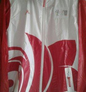 Спорт Куртка с капюшеном р.48 Универсиада 2013