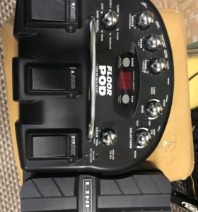 Гитарный процессор line6 floor pod