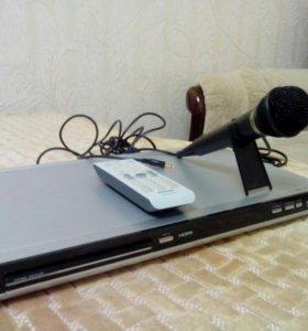 Видеоплеер Philips с караоке плюс микрофон