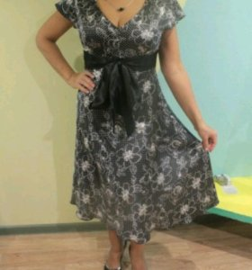 Платье атласное тёмно-серое 44-46