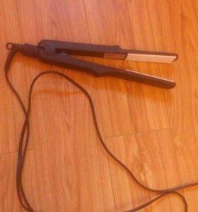 Утюжок-выпрямитель для волос
