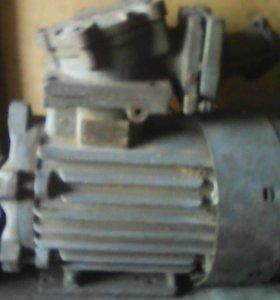 Продам двигатель асинхронный 1440 обр в мин