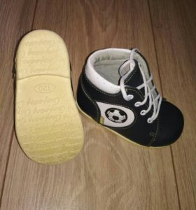 Ботинки скороход как новые 19