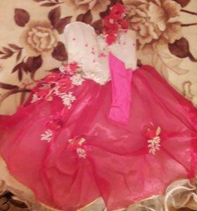 Платье бальное,в отличном состоянии.