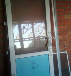 Дверь металлопластиковая, входная