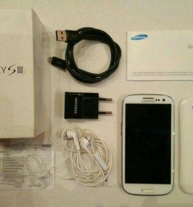 Смартфон Samsung Galaxy S3, GT-i9300 (с чехлами)