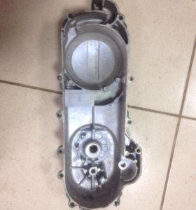Крышка вариатора для скутера