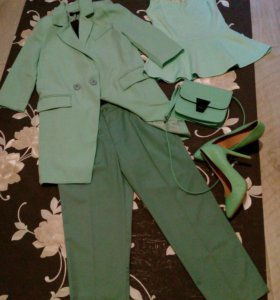 Костюмы, джинсы, юбки