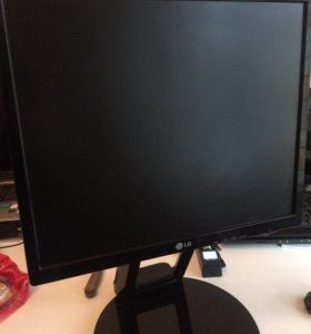 Монитор LG БУ
