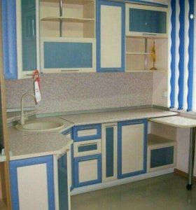Кухонный гарнитур .Новый