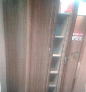 Шкаф 3 - х створчатый