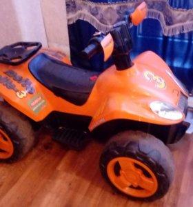 Квадроцикл детский 2-6 лет 2 аккумулятора