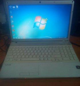 Ноутбук Sony Vaio PCG-61611V