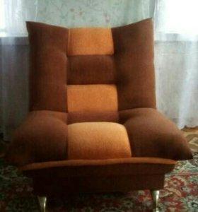 Кресла новые (в наличии два) цена за одно