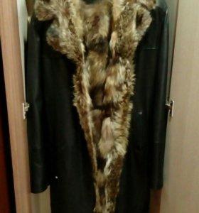 Меховое мужское пальто.