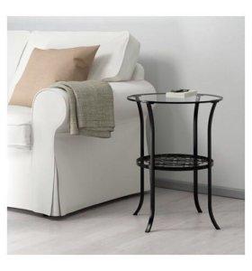 Придиванный кофейный столик