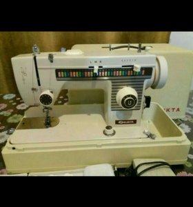 Швейная машинка elekta