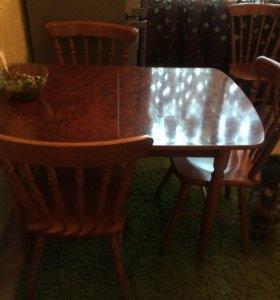 Стол с 4 стульями