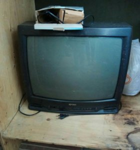 Продаю на запчасти телевизор. Срочно