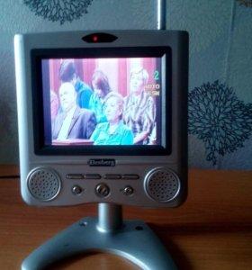 Жк телевизор Elenberg
