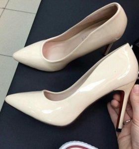 Туфли новые на 38 размер