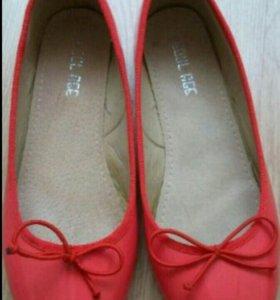 Балетки,туфли новые