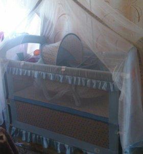 Продается детская кроватка с маятником.