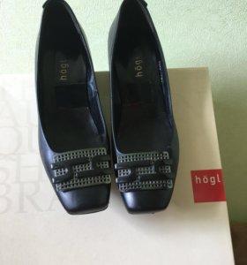 Туфли чёрные hogl