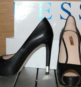 Женские туфли GUESS р.36-37