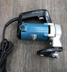 Электро ножницы Makita JS3200