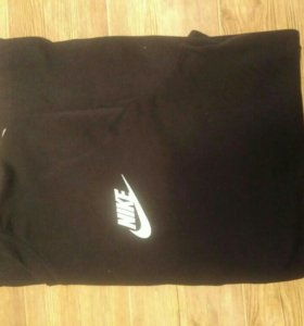 Кофта Nike.