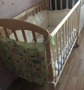 Детская кровать, матрас, принадлежности