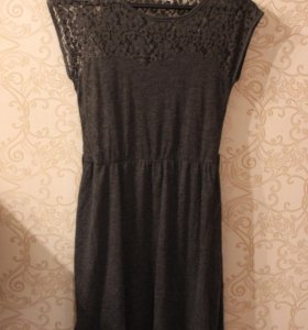 Платье с кружевами Pull&Bear