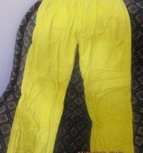 Новые.Спортивные штаны, брючного типа