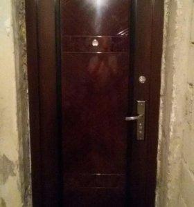 Дверь входная ,возможно для дачи